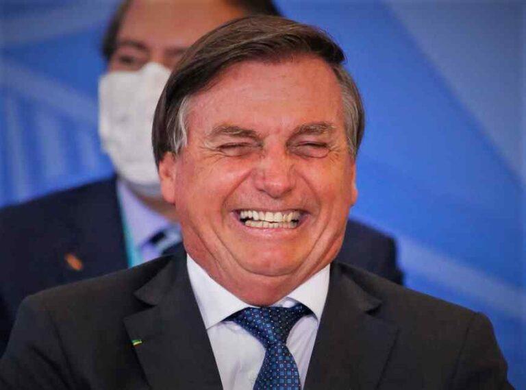 Bolsonaro ficou em silêncio sobre 500 mil mortes